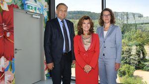 Besuch von Bundeskanzlerin Brigitte Bierlein und Wissenschaftsministerin Iris Rauskala an der JKU, Empfang durch Rektor Meinhard Lukas.