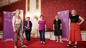 von links: Beate Winkler, Marlies Lenglachner, Doris Schmidauer, Sabine Theresia Köszegi, Martina Mara