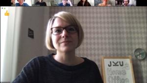 Screenshot einer Online Session mit Videobildern aller Teammitglieder