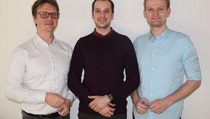 von links: Doktor  Jürgen Fuß (FH OÖ Campus Hagenberg), Dissertant Thomas Grurl und Prof. Robert Wille (JKU)