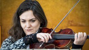 Hayganush Naradikyan an ihrer Violine