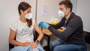 Vaccinations at the JKU Vaccination Station