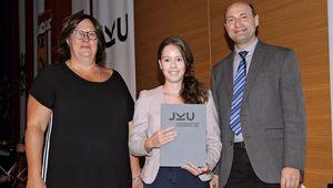 Verleihung des Early Research Achievement Award an der JKU Linz.