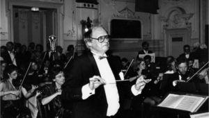 Johannes Wetzler dirigiert das UNIO