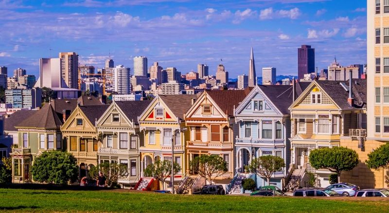 """Painted Ladies"" (San Francisco, USA)"