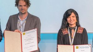 von links: Die beiden Preisträger*innen Doktor Wagner (Graz) und Watschinger, MSc