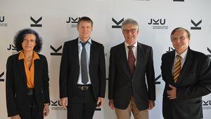 von links: VRin Alberta Bonanni, Mark Hlawitschka, Michel Bockstedte, Dekan Kurt Schlacher