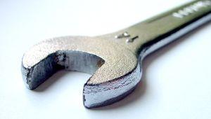 Schraubenschlüssel als Symbol für Wartungsarbeiten