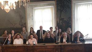 Studierende und Forscher der JKU und der Uni Passau bei ihrer Tagung zum Thema Wirtschaftsrecht und Digitalisierung.