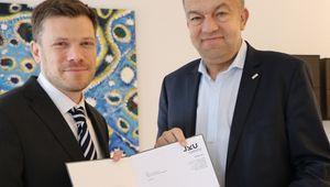 von links: Habilitant Richard Lang, Rektor Meinhard Lukas