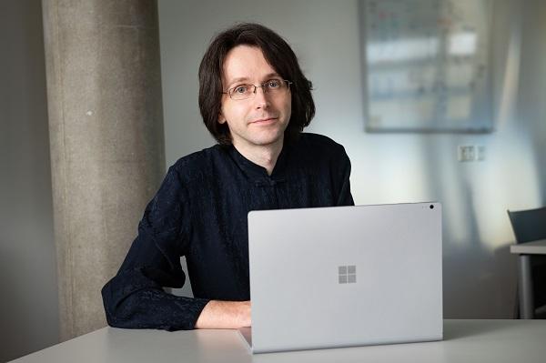 Professor Günter Wallner